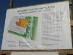 Anonymes Monsterschild am Marchfeldkanal visualisiert Zieselumlenkung beim Heeresspital